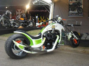 moto customizada easy raiders